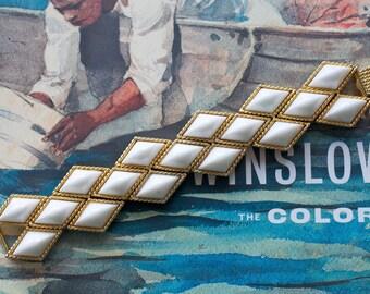 KJL Bracelet White Resin Goldtone Metal 1970s Vintage