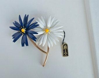 TRIFARI Blue and White Enamel Daisy Flower Pin 1950s Vintage