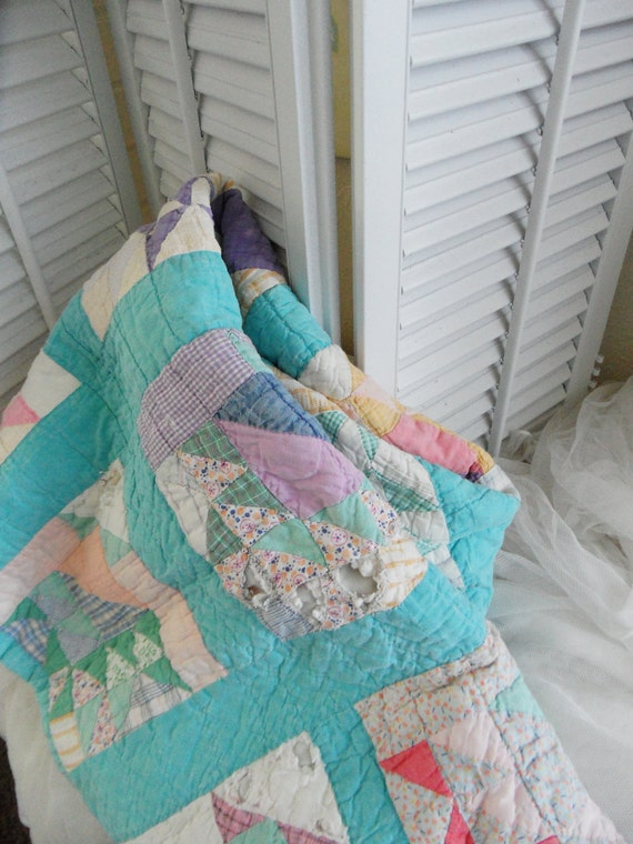 Vintage Cutter Baby Quilt Pastel Colors So Shabby Chic Craft Project