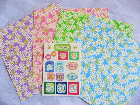 Daisy origami paper and stickers - 24 sheets of 15x15 cm pretty daisy origami paper plus a cute sheet of coordinating stickers