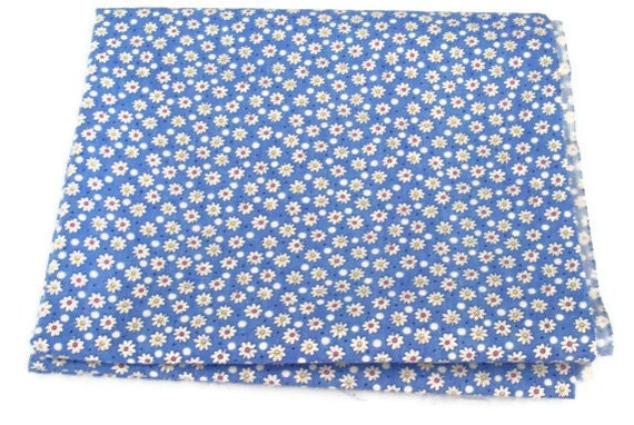 Back to School - 2 yards of white and blue cotton daisy fabric