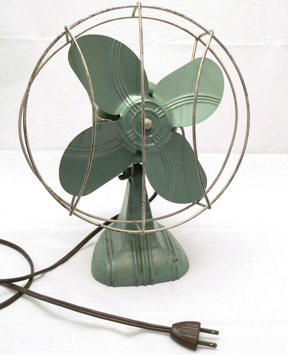 Vintage Desk Fan  Green Vintage Electric Fan  1940s Desk Fan  Electric    Vintage Desk Fan