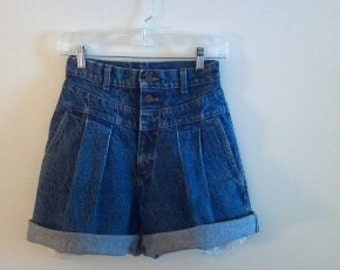 HIGH WAISTED LEE-Pleated Cutoff Jorts