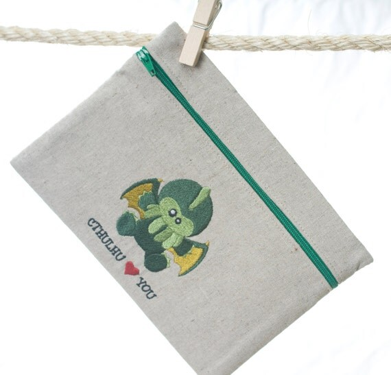 Zipper Pouch - Cthulhu Loves You