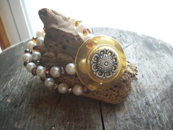 Vintage button with faux pearl  and amethest beads bracelet