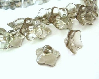 15pc gray glass flower shape beads-715A