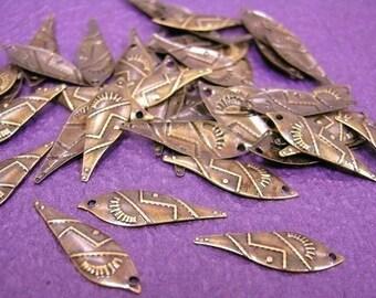 30pc 20mm antique bronze metal leaf charms-373