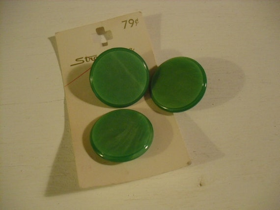Vintage Streamline Green Buttons