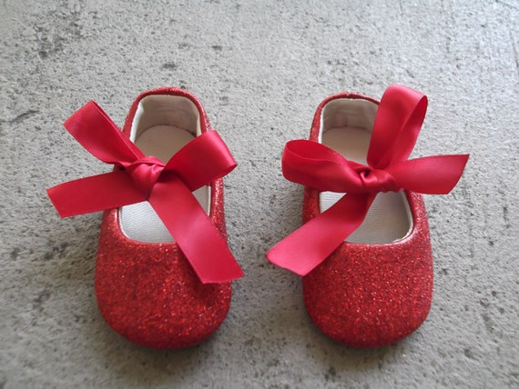 2 Baby Shoes in Red Glitter with Red Bow for 3-6 Months