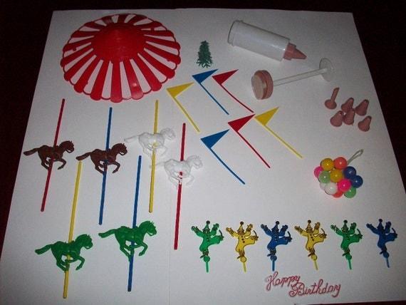 Wilton Cake Decorating Balloons : Vintage Cake Wilton Decorating Kit Party Carousel Decorations