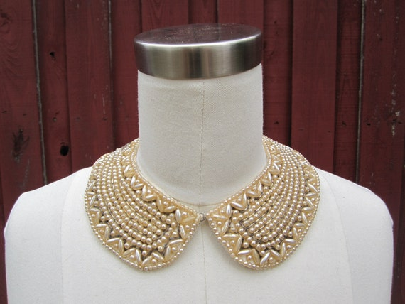 Vintage faux Pearl Collar