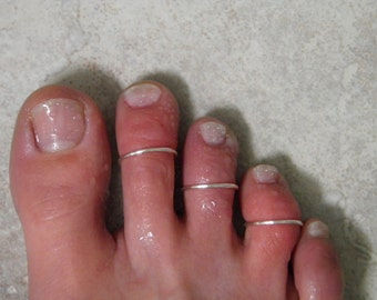 "Toe ring...""Simple Lines"" set of 3 silver wire stackable toe rings."