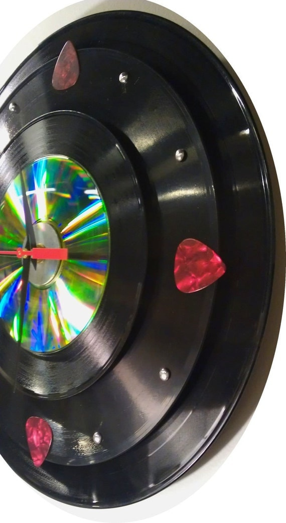 COOL wall Clock  - 33 rpm record, 78 rpm record, 45 rpm record & Cd w/ Red 'Fender' guitar picks and chrome metal dot numbers