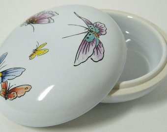 Handpainted Porcelain Lidded Butterfly Dish or Trinkette dish - Made in Taiwan ROC
