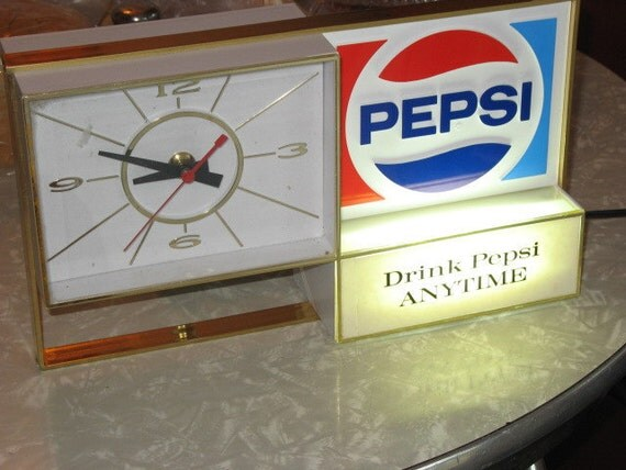 In original box -- RARE New Old Stock -- Cash Register Pepsi Clock -- All original with Original instructions