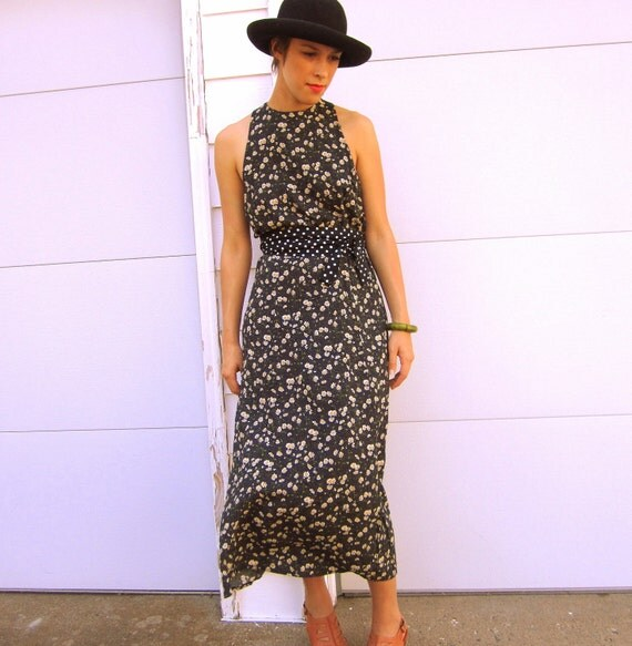 90s Dotted Daisies Maxi Dress (S/M)