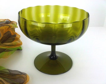 Beautiful Midcentury Hand Blown Green Glass Pedestal Fruit Bowl Compote Display Dish Vintage Kitchen Dinning Living Room Home Decor