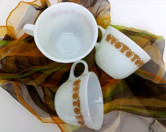 Pyrex Butterfly Gold Harvest Gold Corningware Corelle Livingware Pyrex Compatibles Handled Cups Teacups Coffee Cups 70s VTG Kitchen Set of 3