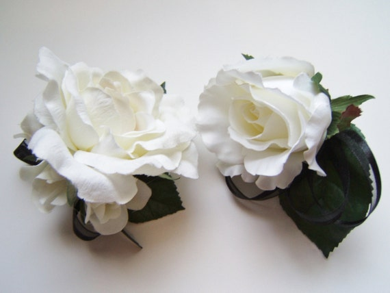 White rose corsage and boutonniere set, wrist corsage, wedding boutonniere, prom boutonniere,  grooms boutonniere, buttonhole, prom corsage