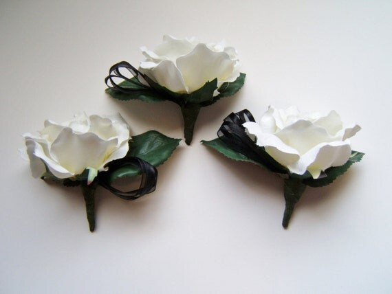 White silk rose boutonniere, set of three wedding boutonnieres, artificial flowers, buttonhole, prom  destination wedding groom groomsmen