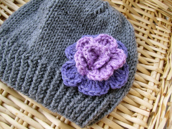 Grey Beanie with Purple Flower. Beanies for 6-12 years old. Girl's Beanie. Hand knitted Beanies. Made to order Beanies