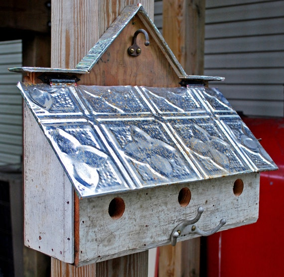 3 unit barn style bird house with reclaimed materials for Bird house styles
