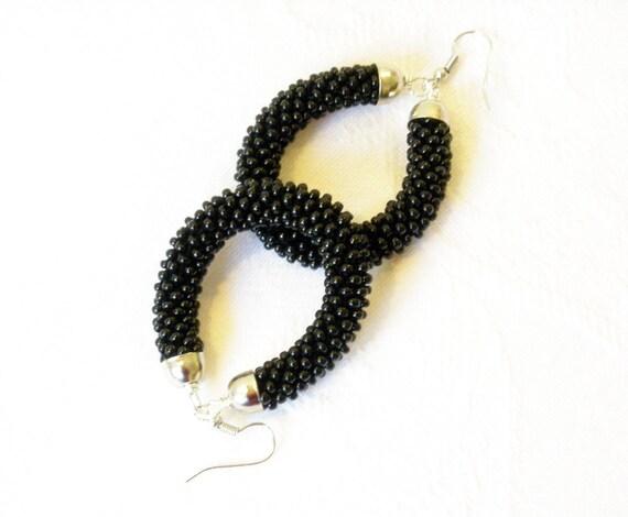 Black Earrings/Drop earrings/Beaded earrings/Urban Chic Jewelry/Crocheted Accessories.