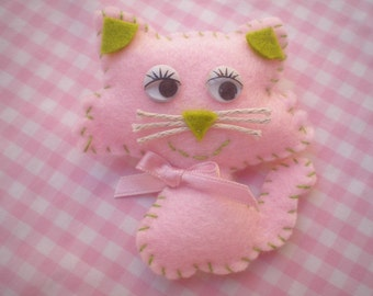 cat  brooch pink