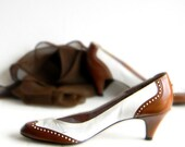 Saddle Shoes SALE Heels 1960s Fashion Two Tones Brown White Oxford Shoes. Mad Men Fashion. Vintage Size 8 and a half. Vegan Friendly