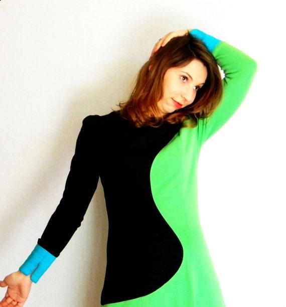 RESERVED for Mandy Flores. Color Block SALE Pullover Sweater Dress. Mod Dress 1970s Knit Black Green Orange Blue dress. Summer Dress.