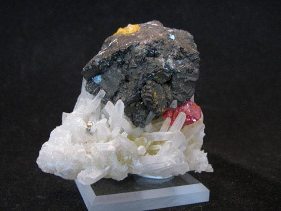 Sphalerite, Realgar, Quartz -- Palomo Mine, Julcani Dist., Huancavelica Dept., Peru