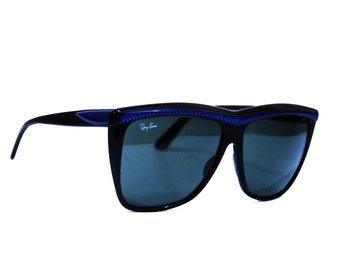 Vintage Ray Ban Sunglasses. B&L Style W0352 Shelby Blue Streetneat Oversized