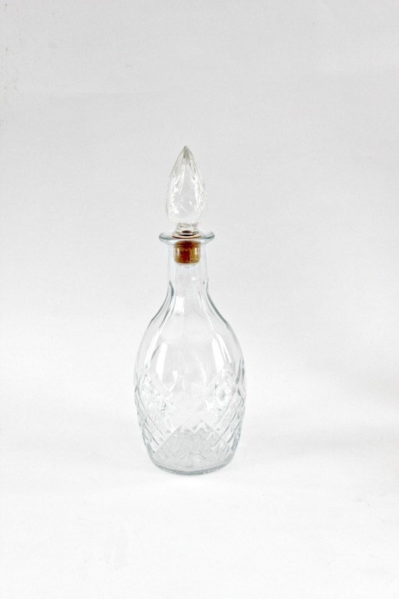 vintage wine decanter glass 1967 made in Canada