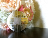vintage Dorset Fifth Avenue compact : gold and silver floral design 1940s
