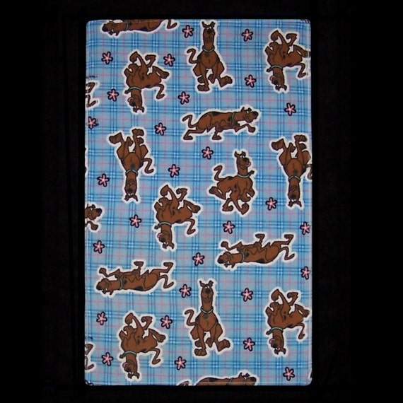 Burp Cloth Ruh Roh Baby features Americas favorite funny pooch, Scoobydoo hamming it up, BC027