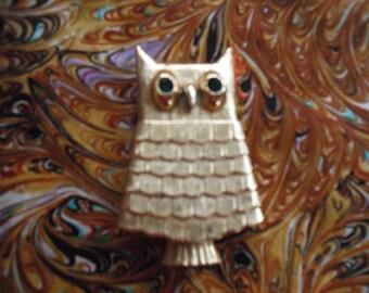 Avon Owl Brooch, Vintage Costume Jewelry  ECS