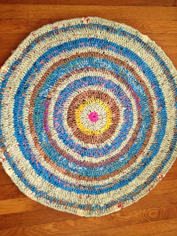 Knitting Pattern For Round Rug : Items similar to Large Circular Plarn Rug on Etsy
