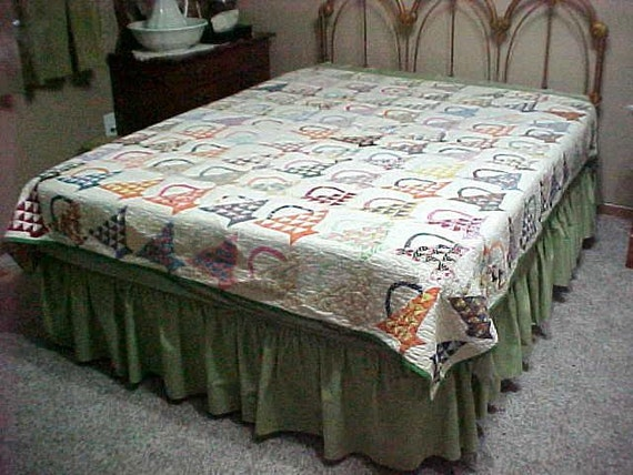 Cotton Quilt with Hand Pieced and Hand Appliqued Baskets, 68 x 75