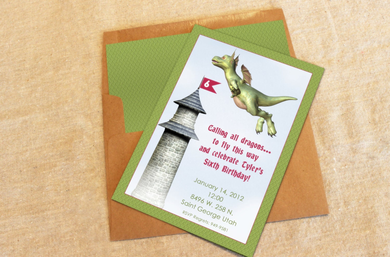 12 Dragon Party Invitations with Lined Envelopes