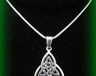 Beautiful Sterling Silver Celtic Irish Weave Knot Necklace