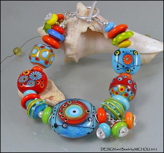 Soul Power  - Lampwork glass bead Bracelet by MIchou