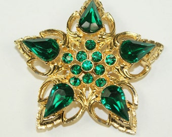 Star Brooch in gold and green