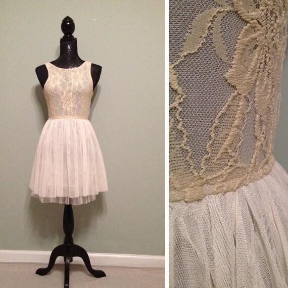 Beautiful Vintage Dress Size Small