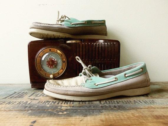 Vintage Deck Shoes / Size 9 Men's / Size 11 Women's /Vintage Boat Shoes