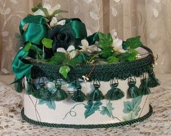 Med Oval Victorian Keepsake /  Trinket Hat  Box - English Ivy Waverly Fabric - Vintage Style