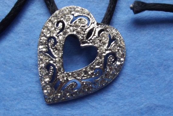 Heart Vintage Style Crystal Pendant Bead with Cord Destash