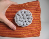 Merino wool crochet pin - silver gray