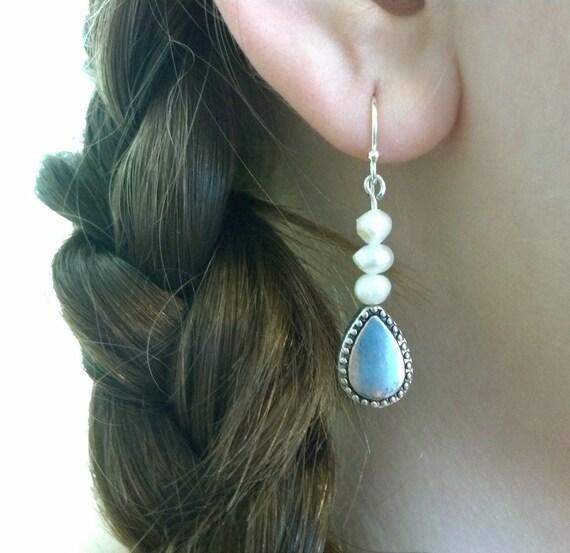 Freshwater Pearl Earrings, Dangle Earrings, Minimal Jewelry, Pretty Earrings, Classic Earrings, Everyday Simple, Gift for Her