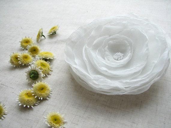 Bridal hair flower Wedding hair piece White hair flower Fascinator