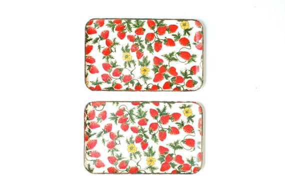 RESERVED FOR CHRISTINE  Set of Vintage Strawberry Print Trays
